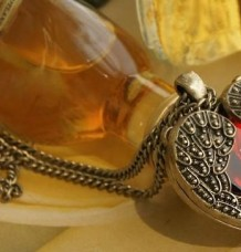 amazing Vintage Red Rhinestone Heart Wing Necklace