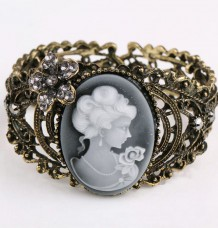 Elegant Light Retro Relief Carved Cameo Statue Queen Bangle Bracelet Rhinestones